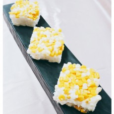 한입 베어무는순간~! 알알이 톡톡 씹히는 [ 옥수수설기 ] (계절한정판매!)